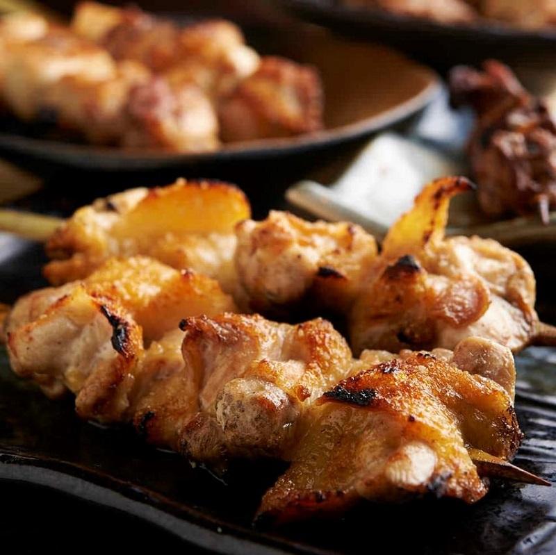 焼き鳥をはじめ人気の鶏料理が食べ放題で楽しめる鷺沼の居酒屋「とりいちず」